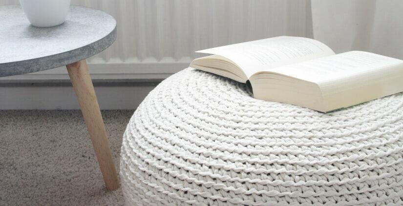 Sitzpouf aus Bändchengarn XL