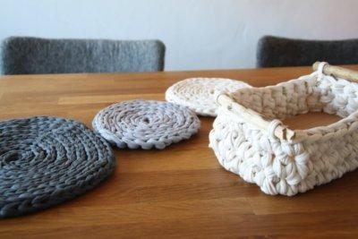 treibholz und textilgarn tischdeko 1000px textilgarn b ndchengarn und dicke wolle. Black Bedroom Furniture Sets. Home Design Ideas