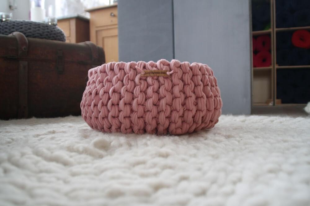 Strickkorb Nude-rosé auf Wollschnur