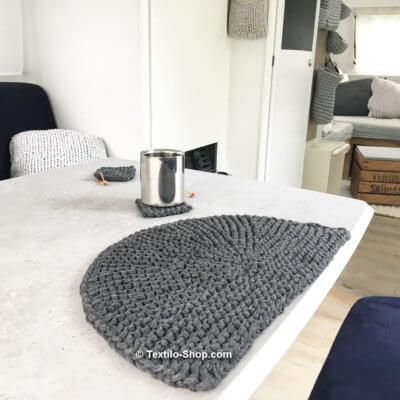 Fotobeispiel Tischset aus Bändchengarn (3)