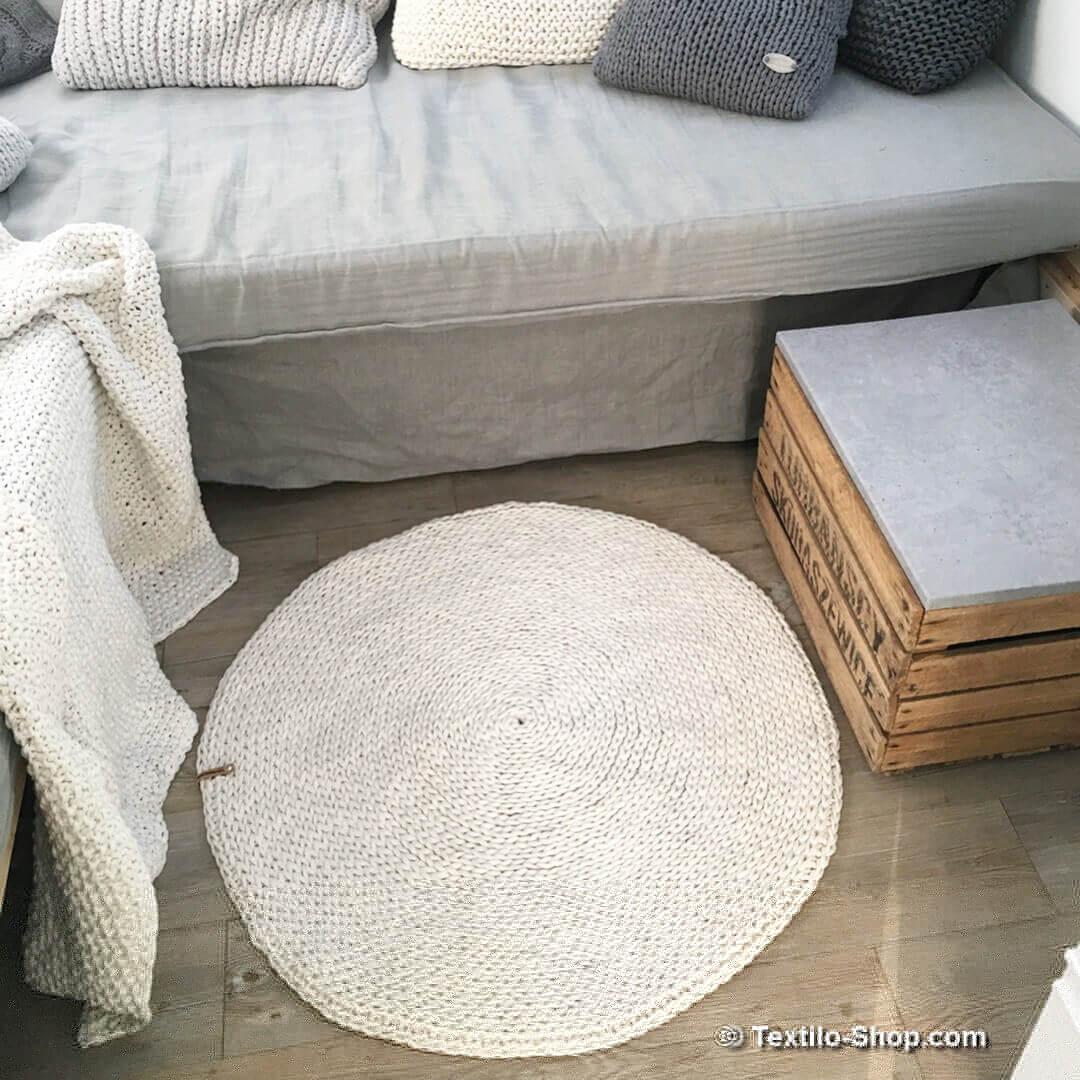 runder teppich wellt sich. Black Bedroom Furniture Sets. Home Design Ideas