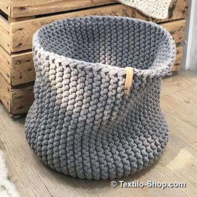 Korb aus Strickschnur