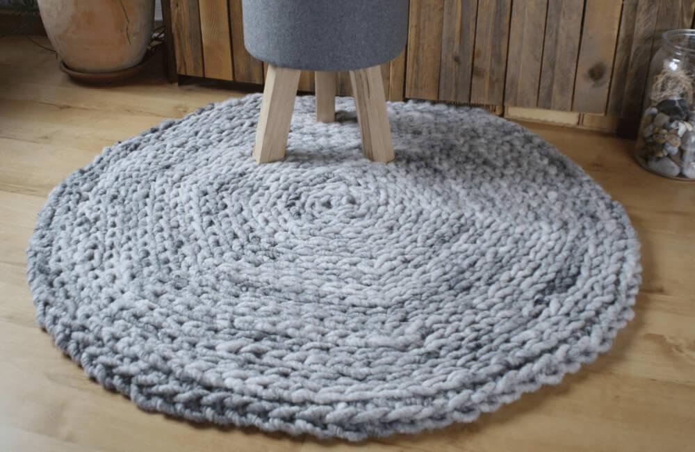 Häkelteppich aus Wollschnur